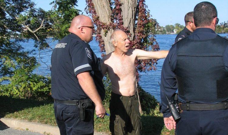 Canadian contractor saves man from drowning in the Niagara River