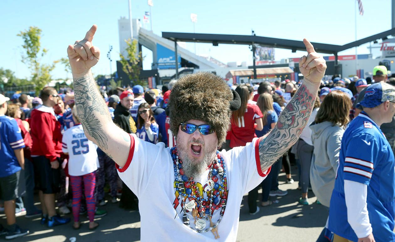 If you're headed to Sunday's Bills game, dress for warmer-than-typical October weather. (Sharon Cantillon/News file photo)