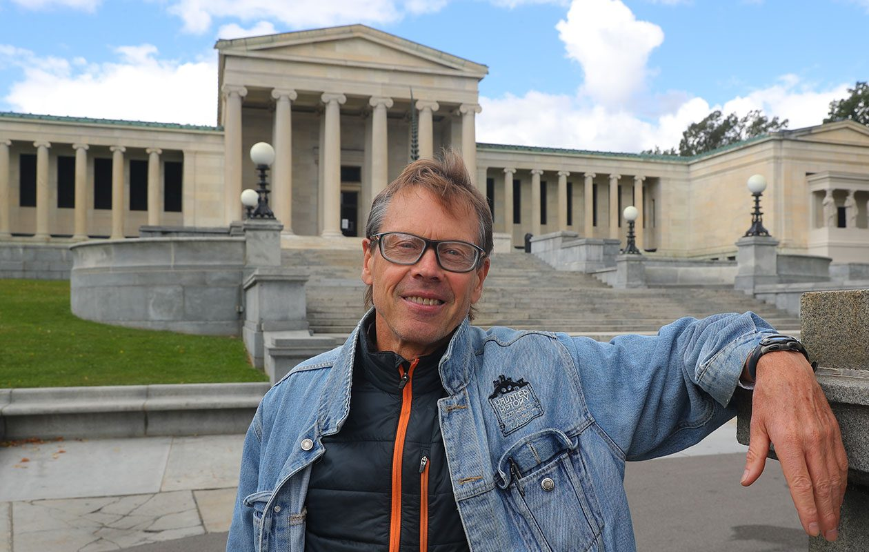 "The Albright-Knox Art Gallery is among the stops on Mason Winfield's new ""Secret City"" bus history tour. (John Hickey/Buffalo News)"