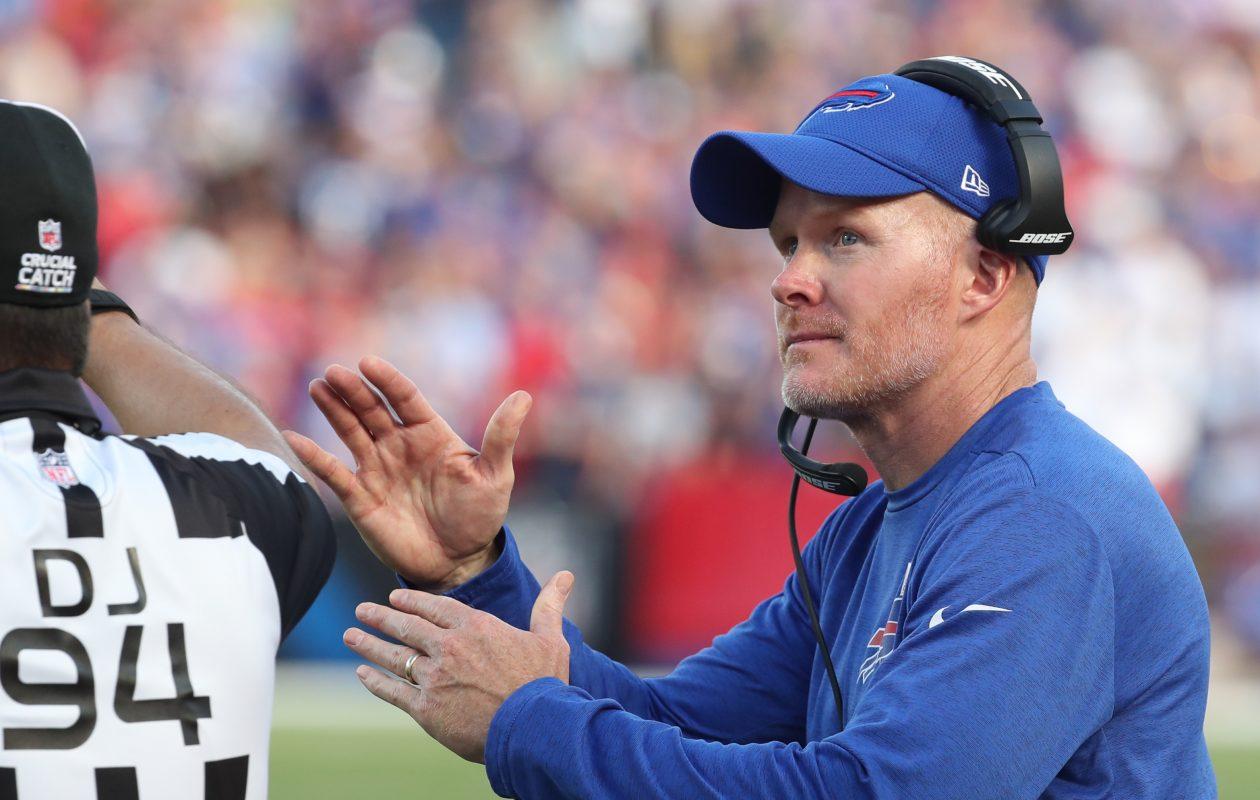 Buffalo Bills head coach Sean McDermott calls a time out in the fourth quarter. (James P. McCoy/Buffalo News)