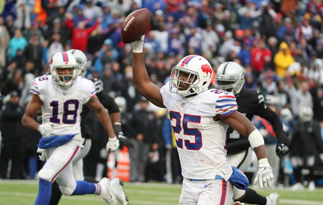 Bills running back LeSean McCoy got 33 touches on 50 snap Sunday against Oakland. (James P. McCoy/Buffalo News)