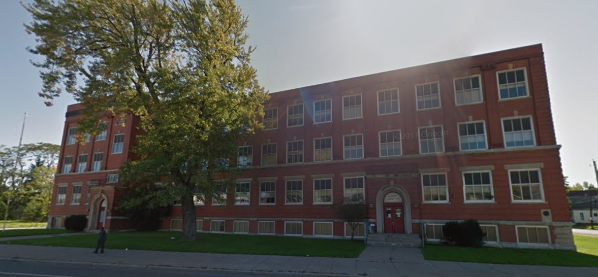 Developers Stuart Alexander and Rhonda Ricks want to transform the former Public School 44 into a modern apartment building with support services for residents. (Google Images)