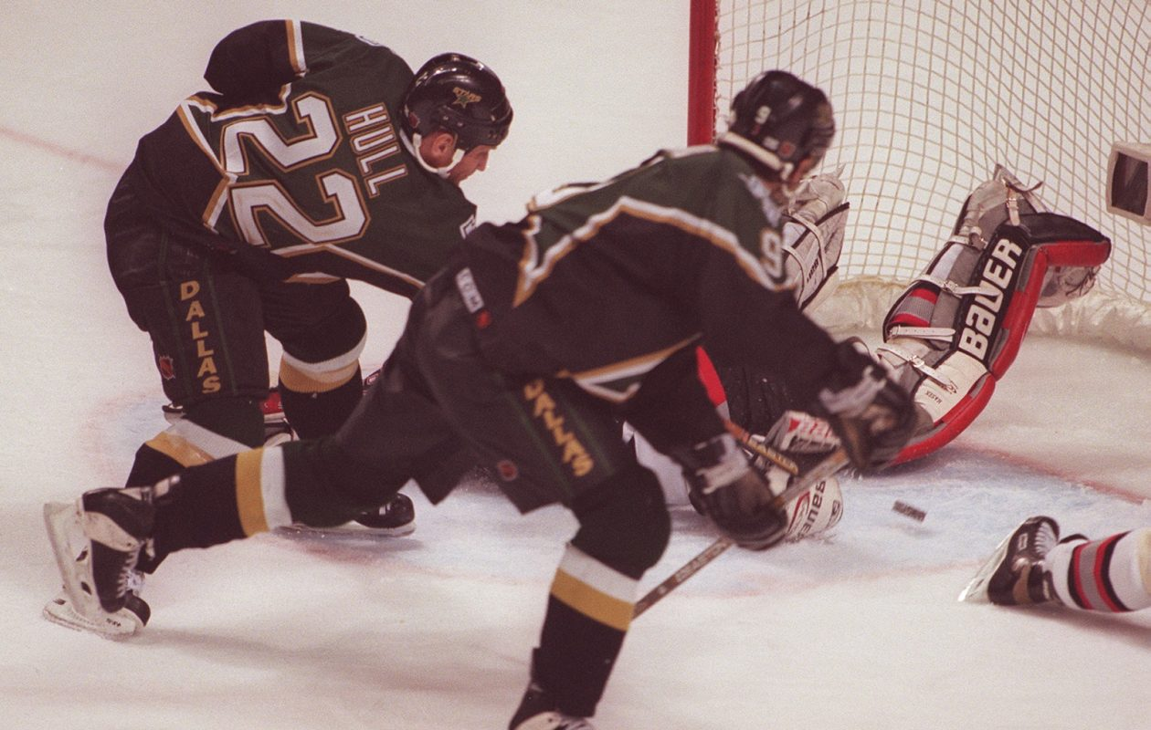 "The Dallas Stars' Brett Hull scores the infamous ""No Goal"" in the third overtime of Game 6 of the 1999 Stanley Cup Finals. (Mark Mulville/Buffalo News file photo)"
