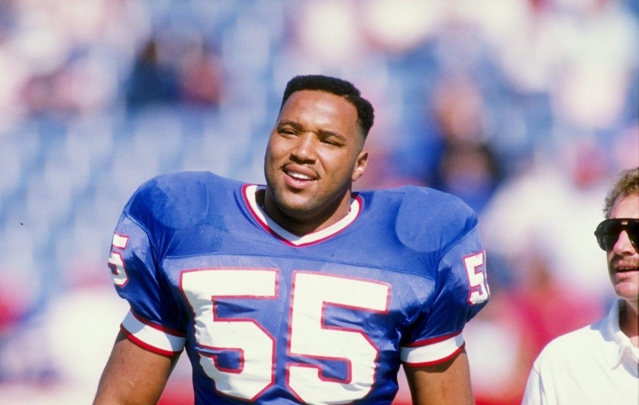 Linebacker Cornelius Bennett  (Rick Stewart, Allsport/Getty Images)