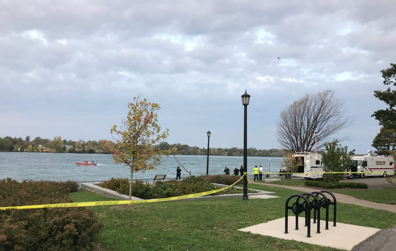 Buffalo police divers resume their search for missing diver Craig Lehner on Sunday, Oct. 15, 2017. (Mark Sommer/Buffalo News)
