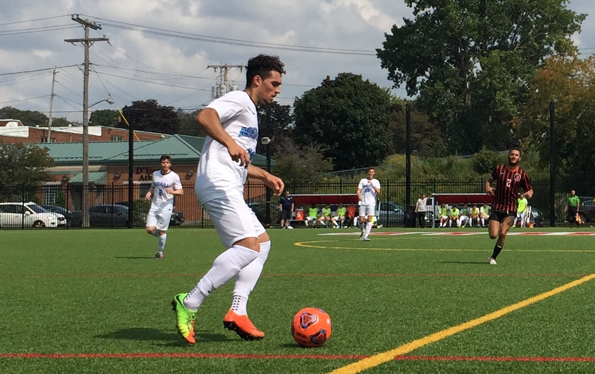 Medaille sophomore defender Anthony Marafioti scored the game-winning goal to beat La Roche in a crucial AMCC clash. (Ben Tsujimoto/Buffalo News)