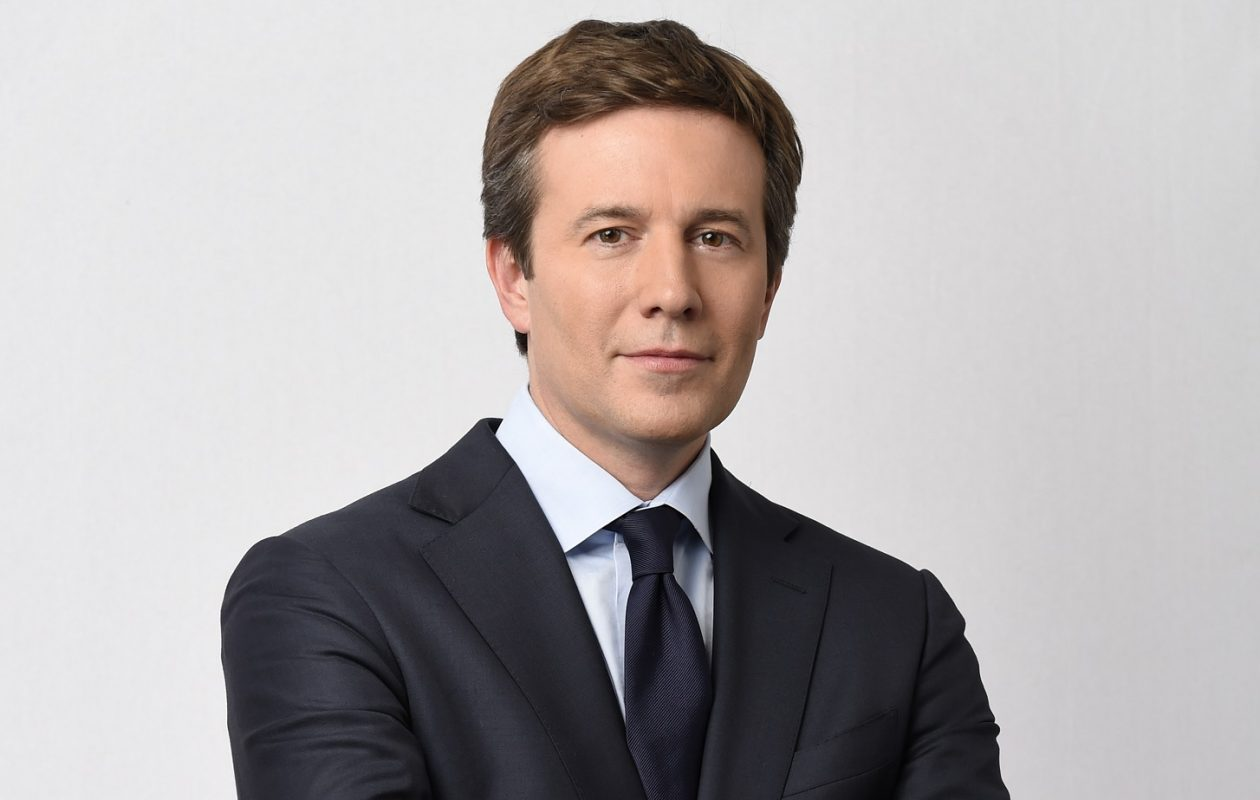 Jeff Glor has taken over the anchor seat at the CBS Evening News. (Timothy Kuratek/CBS)