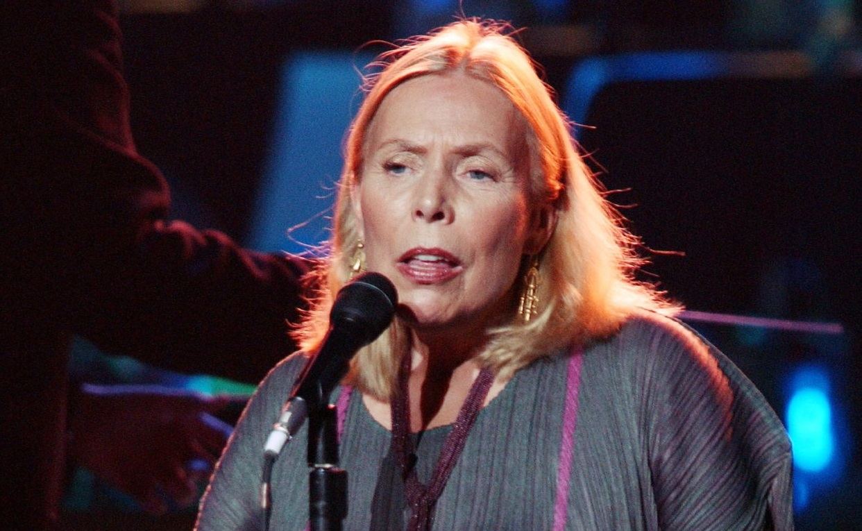 Joni Mitchell  onstage in 2002 at the Wiltern Theatre in Los Angeles. (Robert Mora/Getty Images)