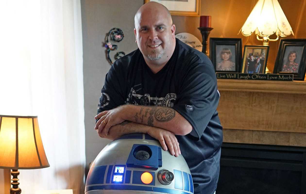 Jon Duffie built this R2-D2 droid — that moves, beeps and whistles just like the real thing — over the course of 10 years. (Dave Jarosz)