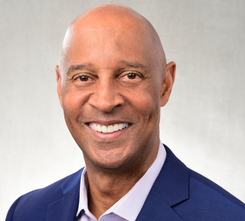 James Lofton will call the Bills-Raiders game for CBS.