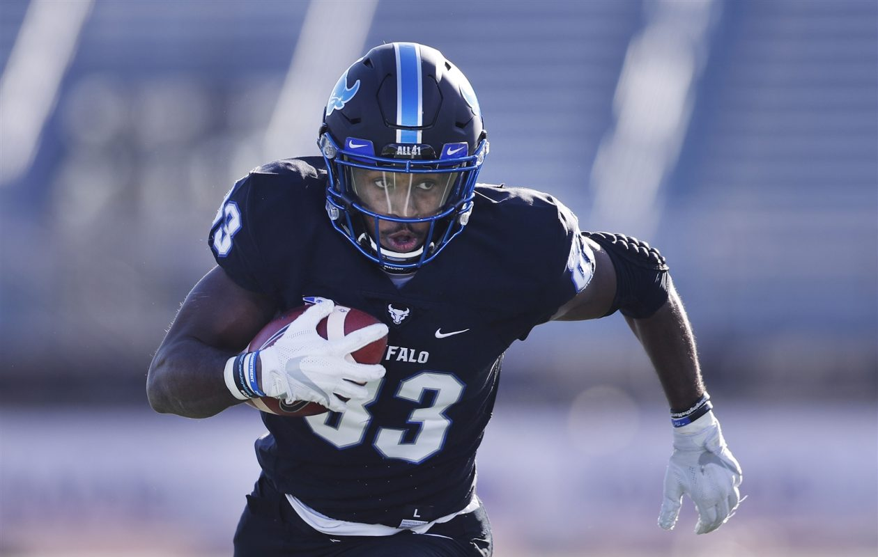 UB (83) Anthony Johnson runs for a touchdown after making a catch in the first half against Ohio. (Mark Mulville/Buffalo News)
