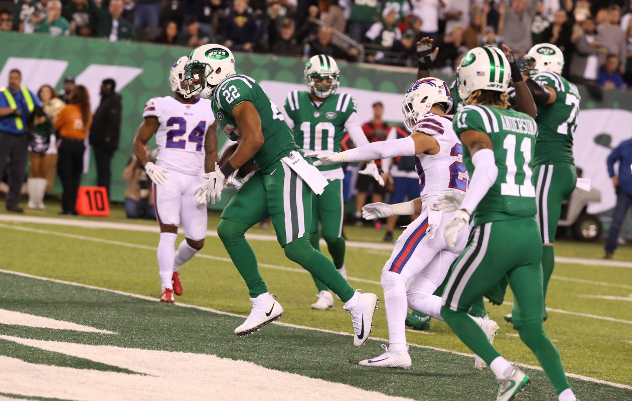 New York Jets running back Matt Forte (22) rushes for a touchdown in the fourth quarter at MetLife Stadium. (James P. McCoy/Buffalo News)