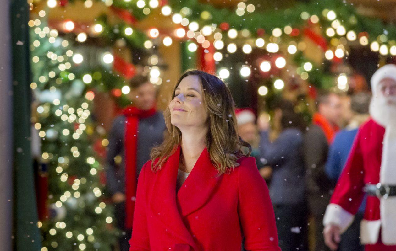 Ashley Williams stars in 'Christmas in Evergreen' on Hallmark. (Crown Media United States LLC/Ryan Plummer)