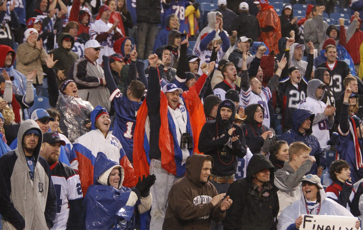 Don Paul's updated forecast for Sunday's game calls for temps in the 40s, but no precipitation.  (News file photo)