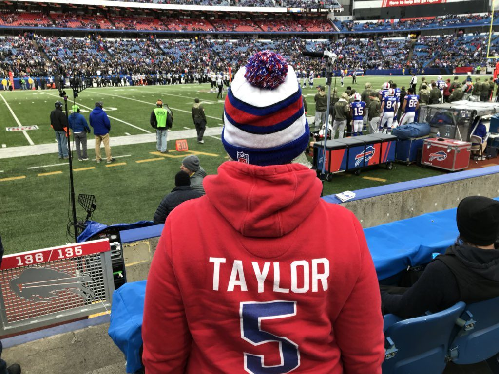 @Bills_Chick's social media presence doesn't include message boards and forums anymore. Instead, she's become a football staple on Twitter. To date, the Bills_Chick account has over 6,000 followers.