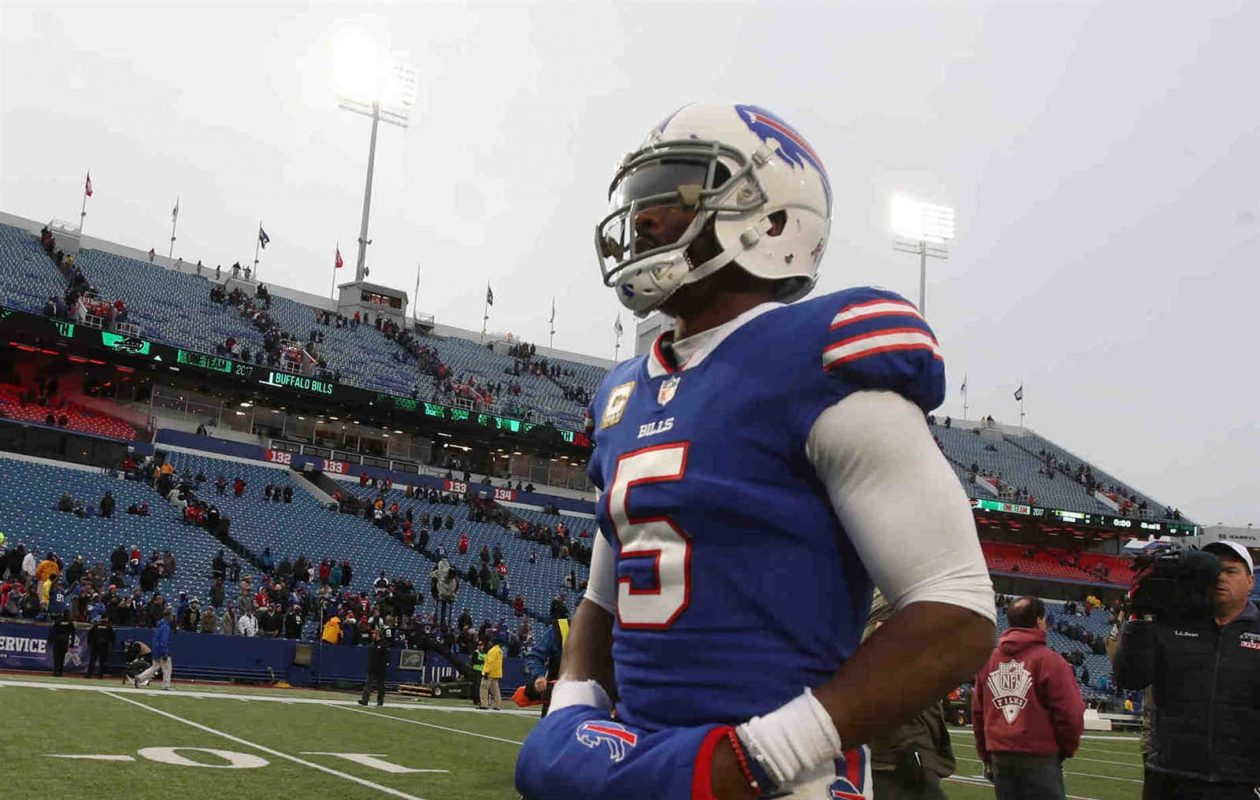 Quarterback Tyrod Taylor walks off the field after a miserable showing Sunday for the Buffalo Bills. (James P. McCoy/Buffalo News)