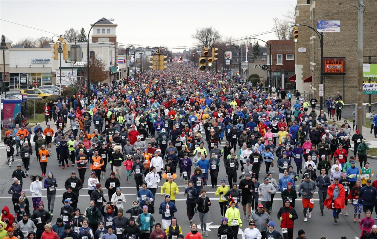 The Turkey Trot continued to be the largest race in Western New York in 2017. (Mark Mulville/Buffalo News0