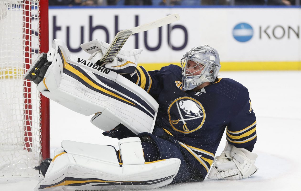Robin Lehner looks to torment his old team tonight (Mark Mulville/News file photo).