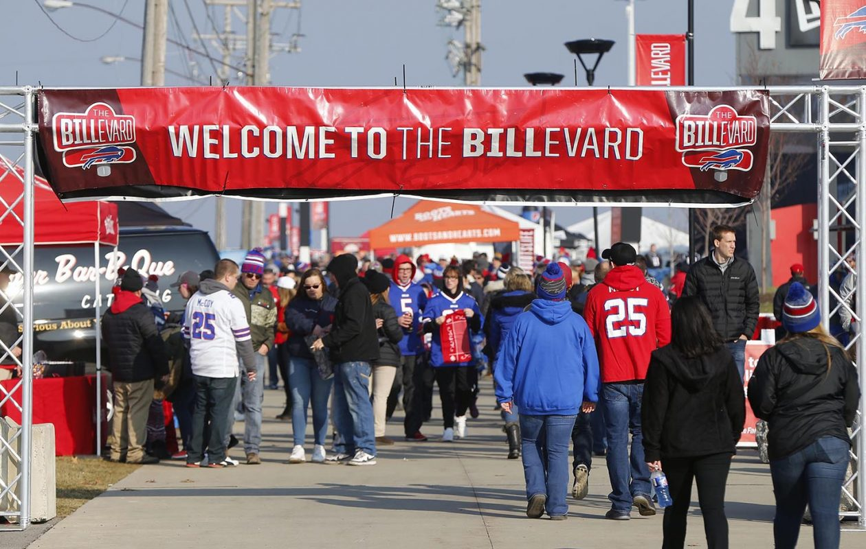 You'll need a coat if you're headed to Sunday's game at New Era Field. (Mark Mulville/News file photo)