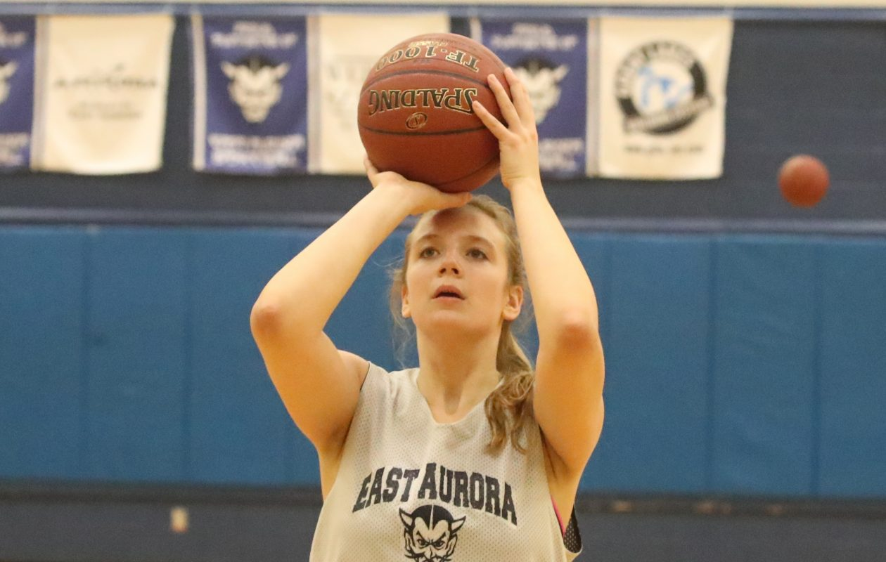 East Aurora's Emma Brinker is coming back from an ACL tear, an injury becoming more common among girls 13 to 17 years old.  (James P. McCoy/Buffalo News)