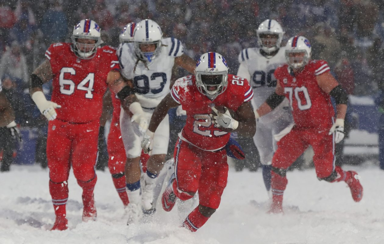 Buffalo Bills running back LeSean McCoy (25) rushes  21 yards for the game winning touchdown in overtime at New Era Field in Orchard Park N.Y. on Sunday, Dec. 10, 2017.  (James P. McCoy / Buffalo News)