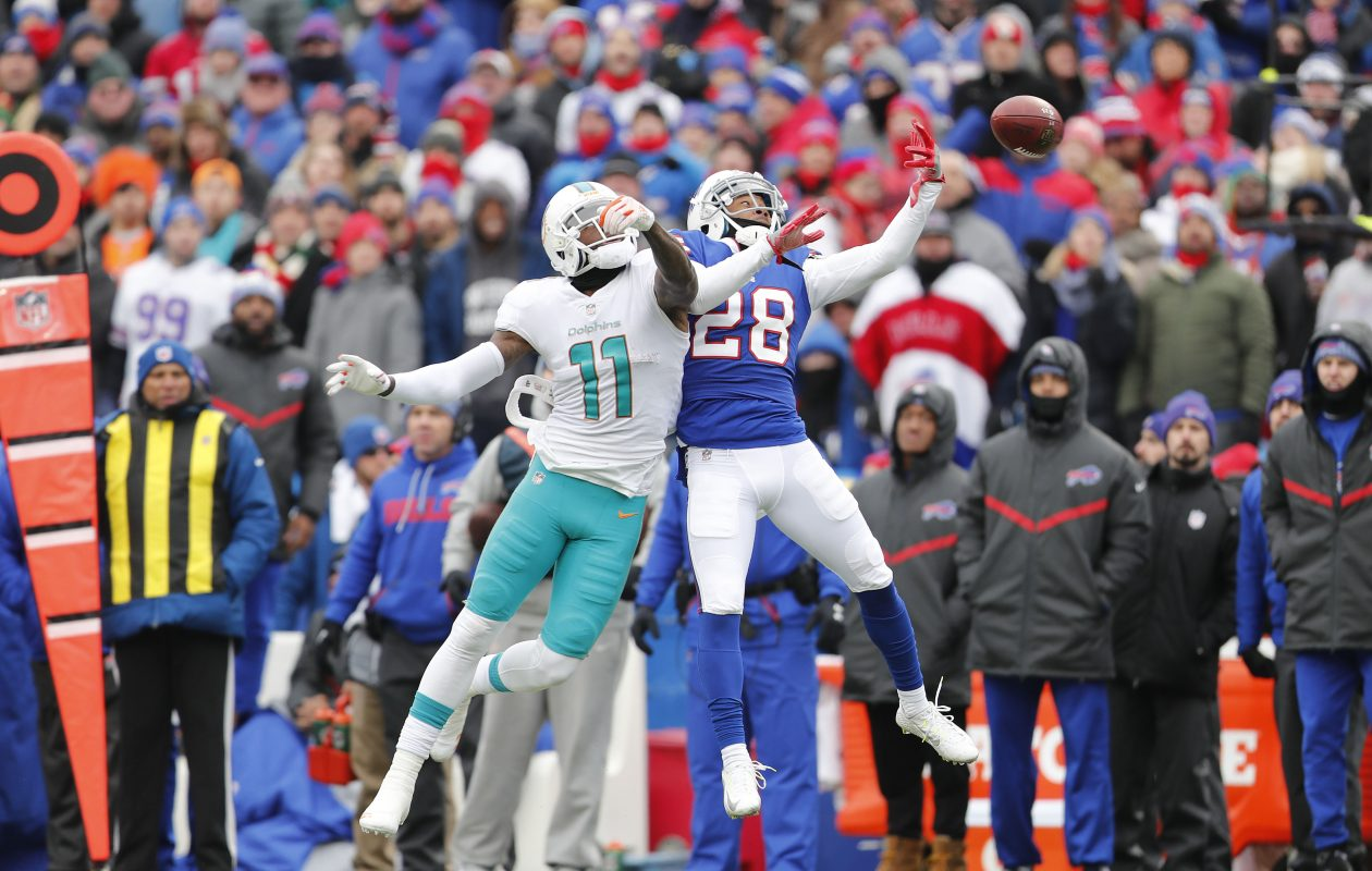 Bills cornerback E.J. Gaines practiced on a limited basis Thursday as he deals with a knee injury. (Mark Mulville/Buffalo News)