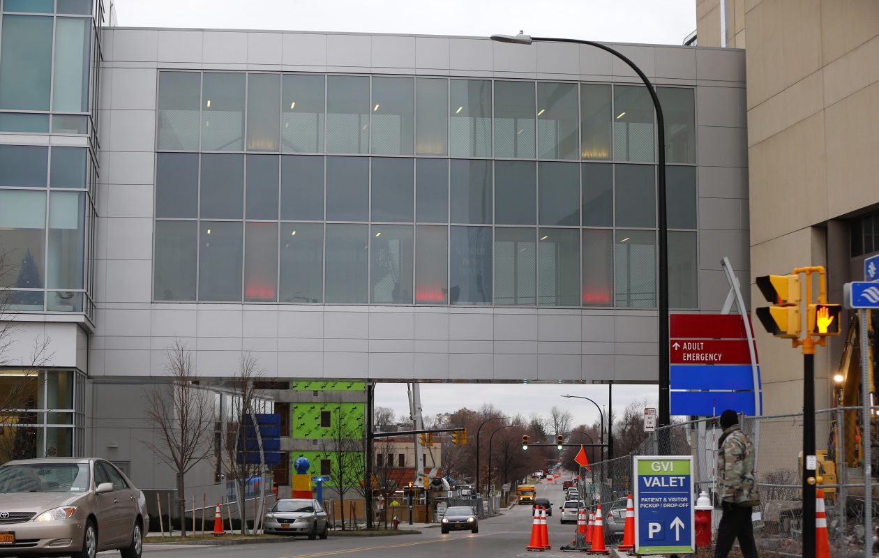 The Skybridge connector from Oishei Children's Hospital to the Buffalo General Medical Center and Gates Vascular Institute across Ellicott Street in Buffalo Wednesday, Dec. 20, 2017.   (Mark Mulville/Buffalo News)
