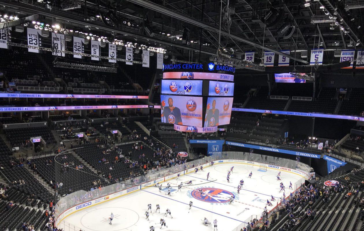 The Buffalo Sabres face the New York Islanders. (John Vogl/Buffalo News)