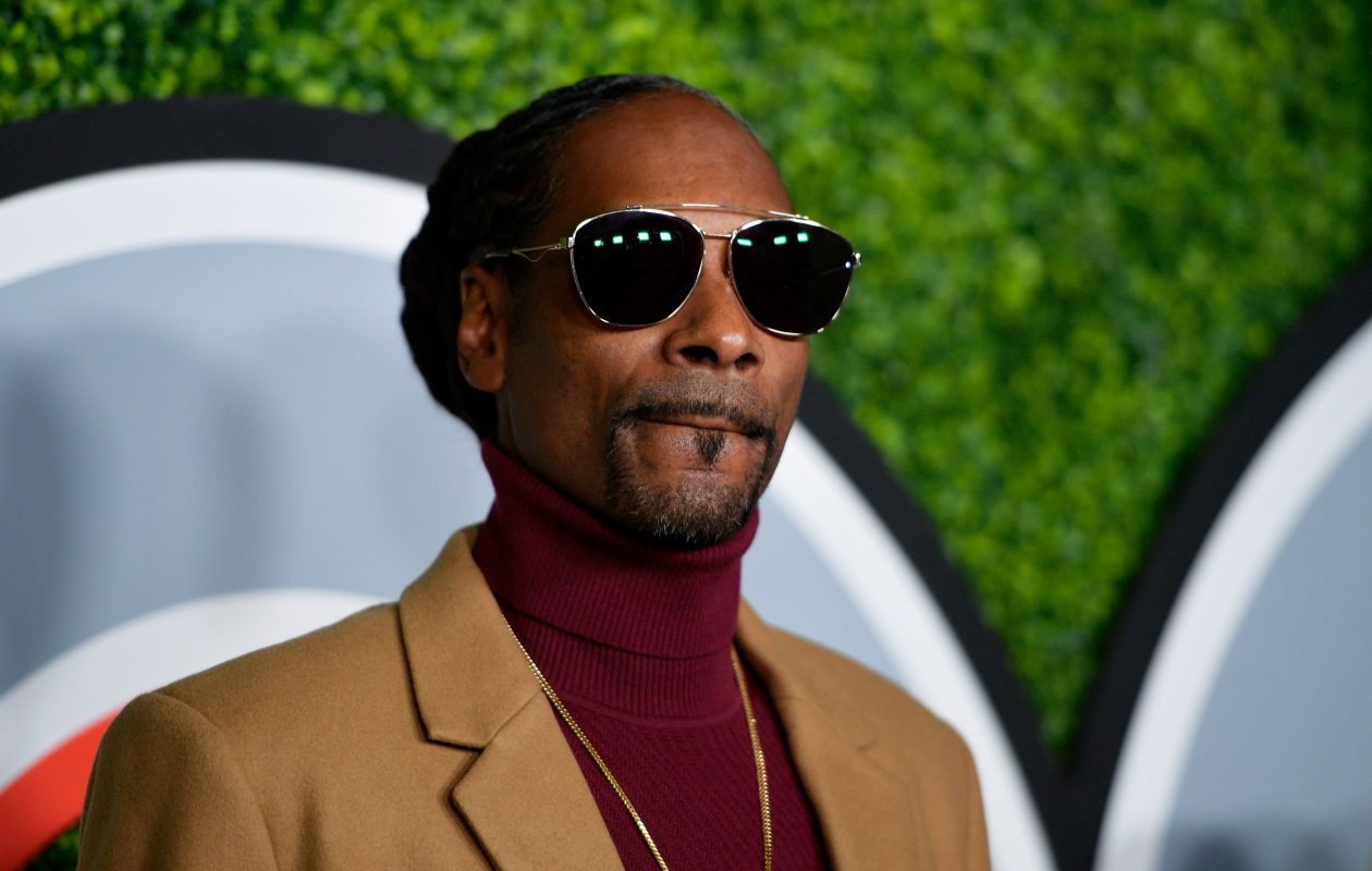 Snoop Dogg sports a turtleneck at the 2017 GQ Men of the Year Party on Dec. 7 in Los Angeles.  (Getty Images)