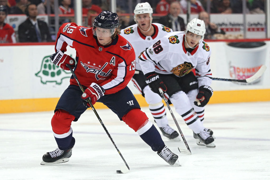 Patrick Kane (88) and Jonathan Toews of the Blackhawks were a step behind Nicklas Backstrom during Wednesday's 6-2 defeat in Washington, Chicago's fifth loss in a row (Getty Images).