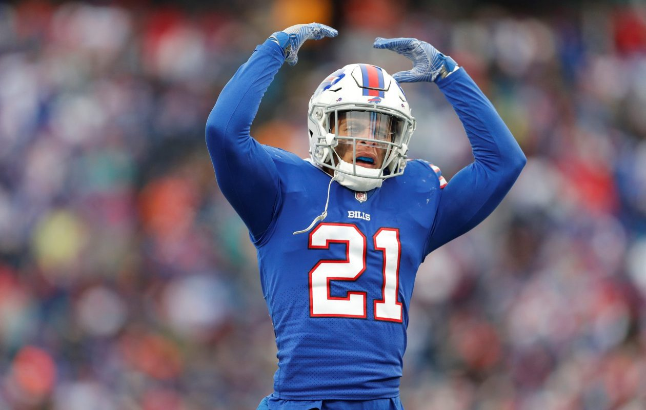 Buffalo Bills' Jordan Poyer tries to get the fans to make noise in the third quarter at New Era Field on Sunday, Dec. 17, 2017.    (Mark Mulville/Buffalo News)