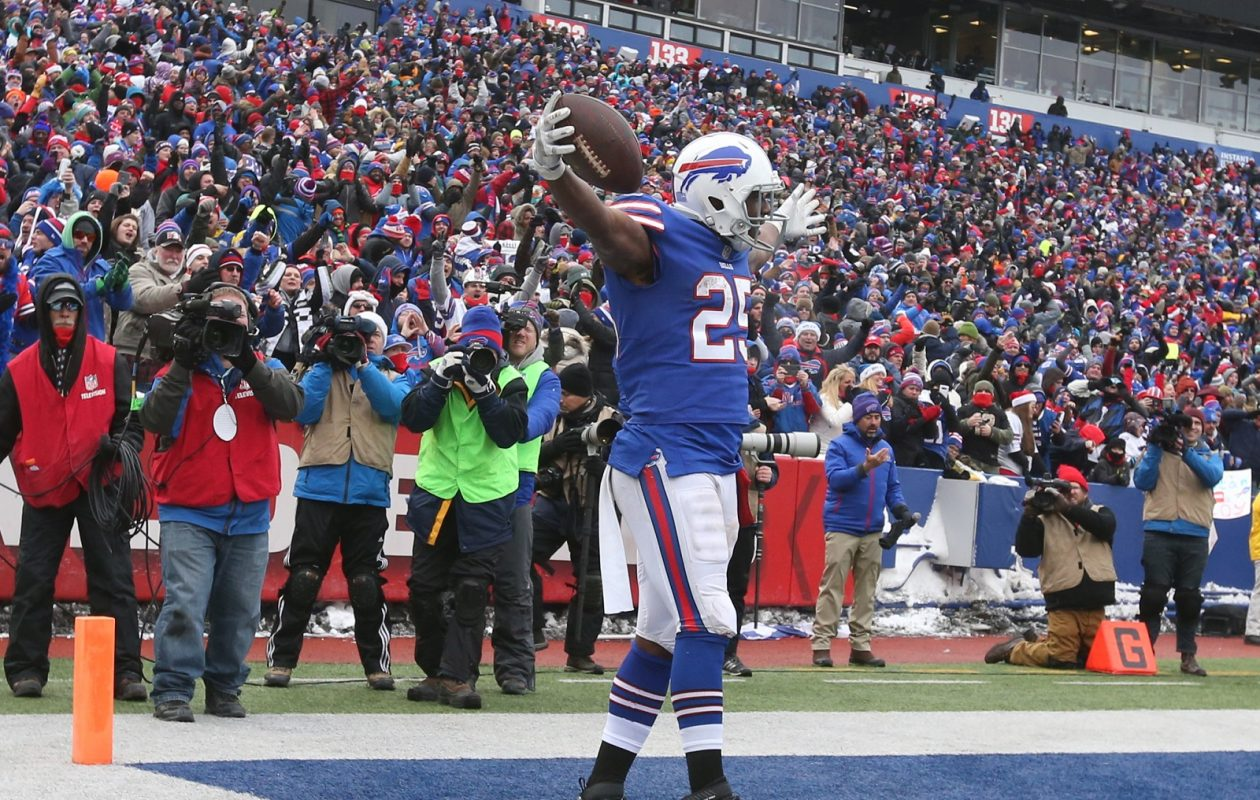 Buffalo Bills running back LeSean McCoy (25) celebrates after scoring a touchdown in the second  quarter at New Era Field Orchard Park N.Y. on Sunday, Dec. 17, 2017.  (James P. McCoy/Buffalo News)