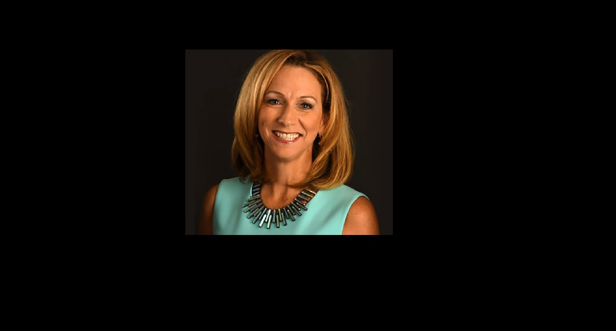 CBS' Beth Mowins impressed as the play-by-play announcer for Sunday's Bills game.