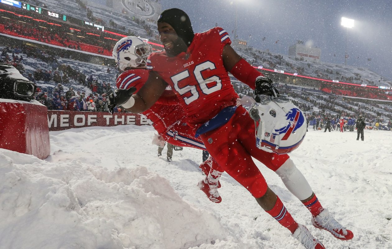 In the snow on Sunday, Ryan Davis turned 15 pass-rushing snaps into five pressures (one sack, four hurries) which were the most by a player on either team. (James P. McCoy / Buffalo News)