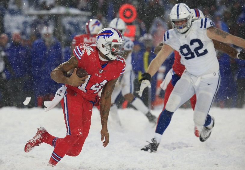 Buffalo Bills quarterback Joe Webb runs against the Indianapolis Colts during overtime at New Era Field on Sunday, Dec. 10, 2017. (Harry Scull Jr./ Buffalo News)