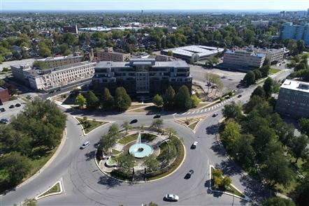 Canterbury Woods Gates Circle Grand Opening