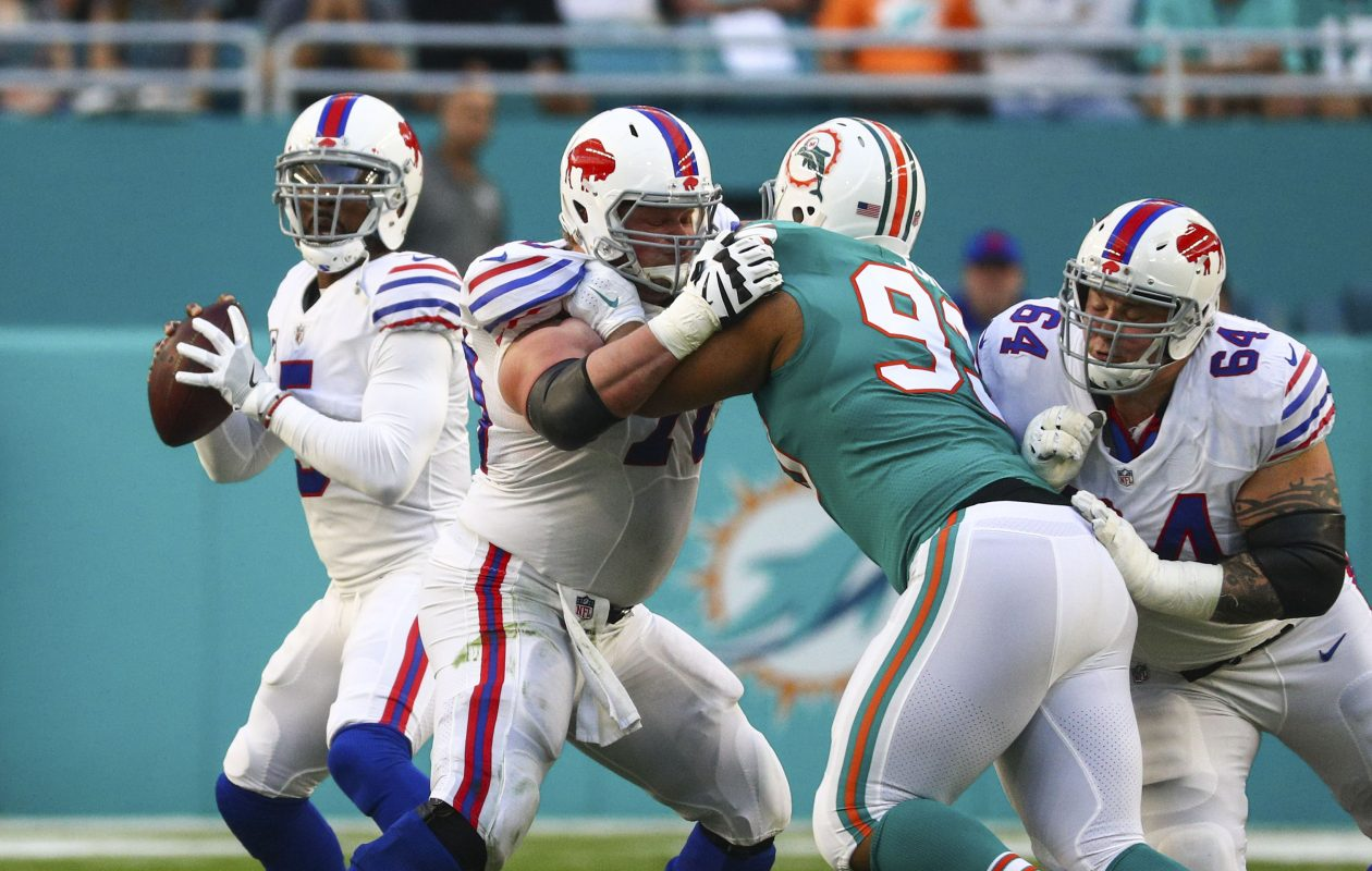 Buffalo Bills quarterback Tyrod Taylor (5) looks for an open receiver down field against the Miami Dolphins in the first quarter at Hard Rock Stadium in Miami Gardens, Florida on Sunday, Dec. 31, 2017.  (James P. McCoy / Buffalo News)
