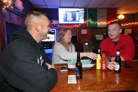 Brunner's Tavern: Bar scene