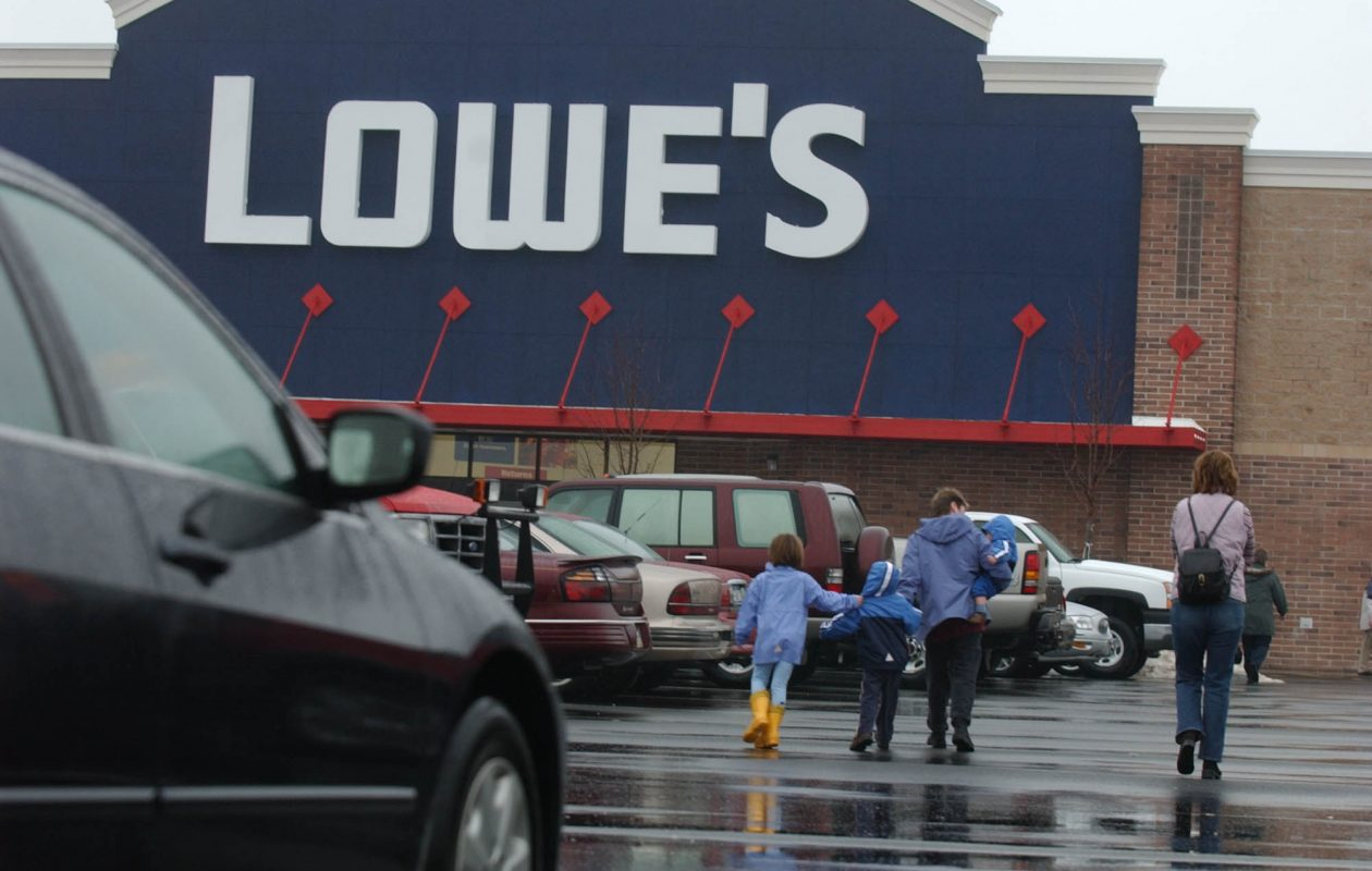 Prosecutors say Kenneth Cassidy went from one Lowe's store to another as part of nationwide scheme that netted him $2.6 million in goods. (News file photo)