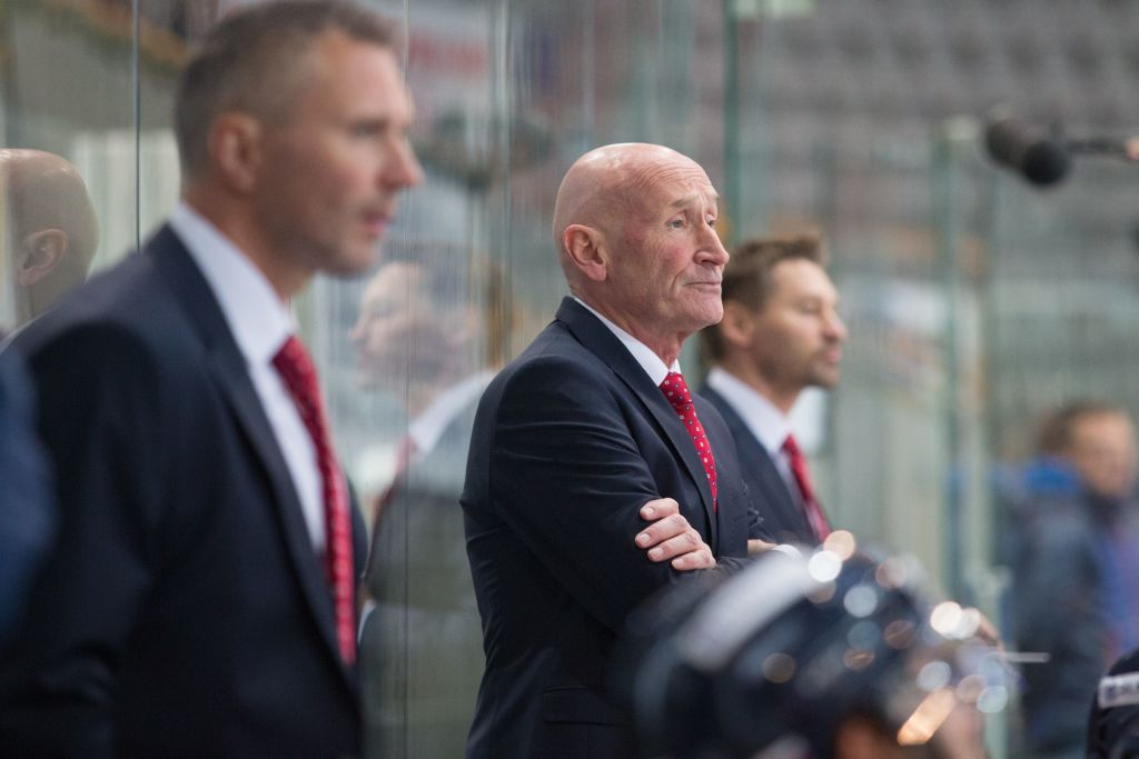 Slovakia coach Craig Ramsay (center) looks on during a MECA game between Slovakia and France, in Hamar, Norway, in December. (Getty Images)