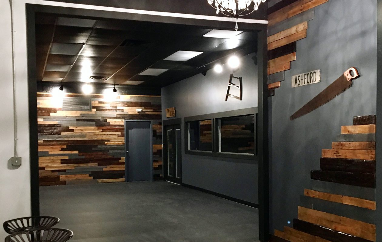 The newly opened Grit House in Hamburg has everything from indoor cycling classes to boot camp and power yoga. (Grit House)