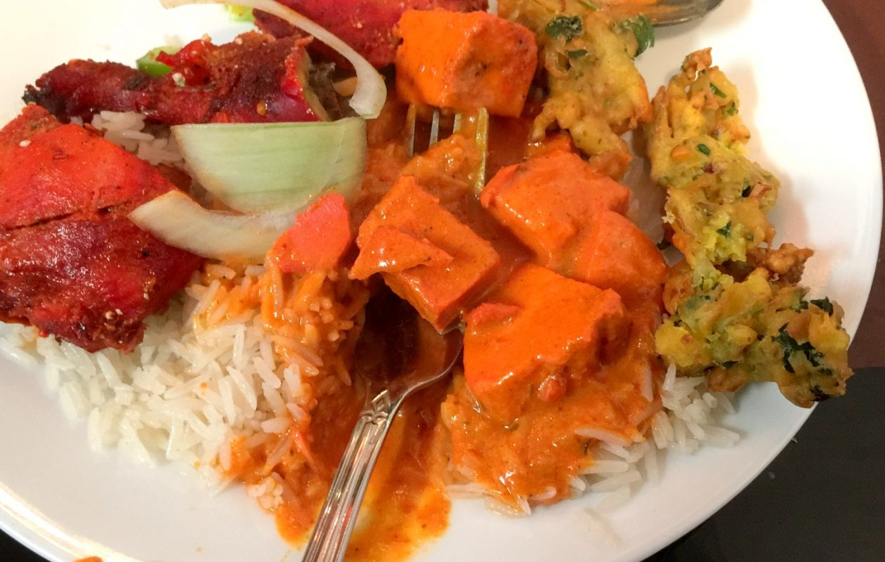 The buffet at Tandoori Hut, the new University Heights restaurant, is diverse and delicious. (Andrew Galarneau/Buffalo News)