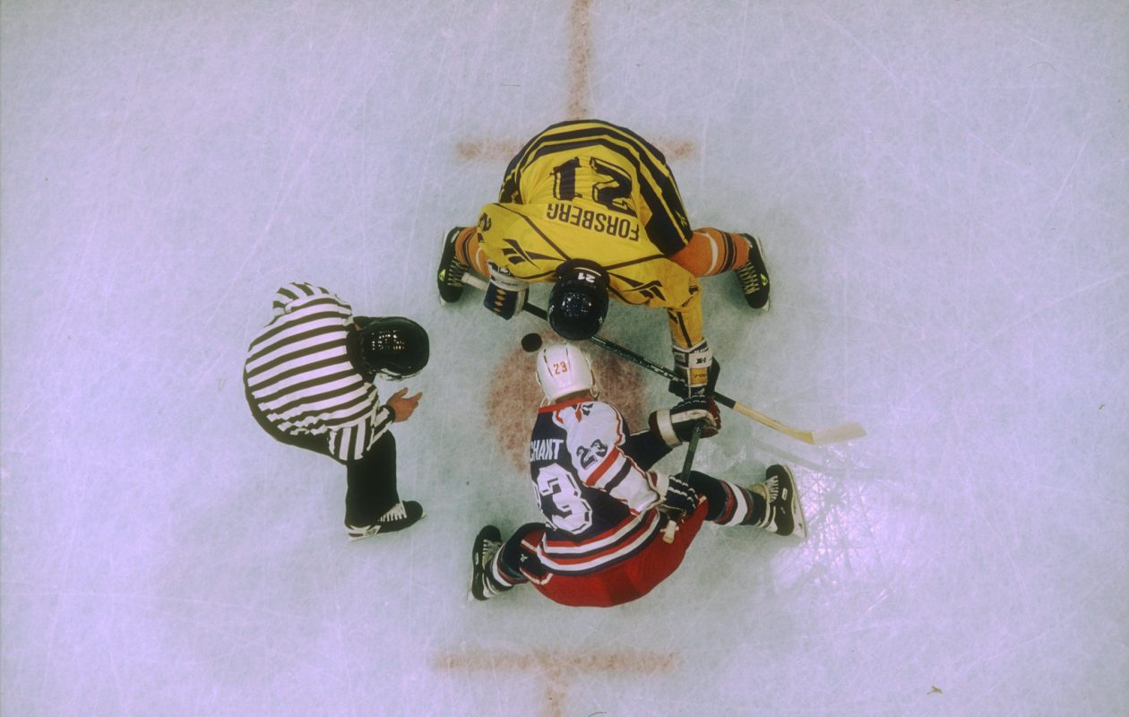 Todd Marchant takes the faceoff against Swedens Peter Forsberg during the 1994 Olympics. (Simon Bruty/Allsport/Getty Images)