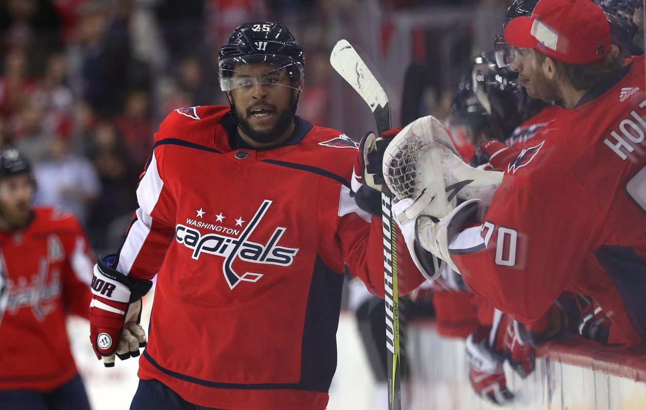 Devante Smith-Pelly's teammates in Washington have his back after a racially charged incident in Chicago. (Getty Images)