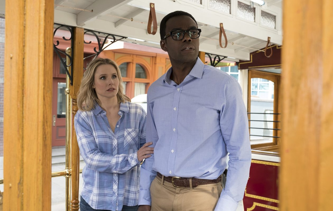 Kristen Bell and William Jackson Harper have great chemistry in 'The Good Place.' (Photo by: Colleen Hayes/NBC)