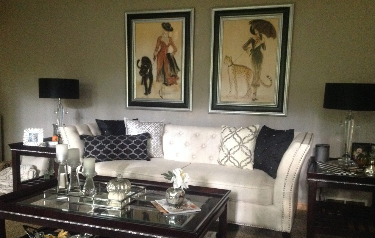 Ivory and black and silver accents can be found in Rosalyie Hutchins' home. This is the family room, photographed last fall. (Photos courtesy Rosalyie Hutchins)