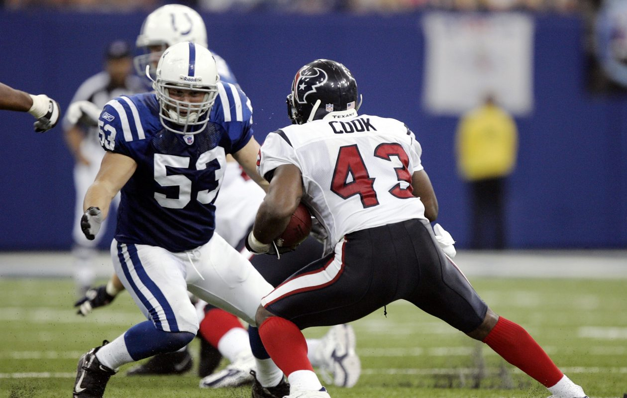 Linebacker Keith O'Neil played for the Indianapolis Colts. (Getty Images)
