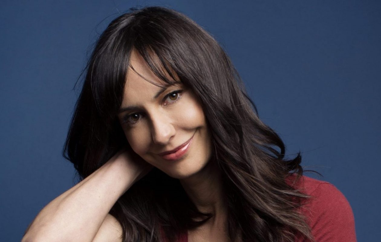 """Buffalo-born actress Charlene Amoia, who has appeared on a number of hit television shows, plays an obstetrician on the """"Grey's Anatomy"""" episode premiering March 8 on ABC."""