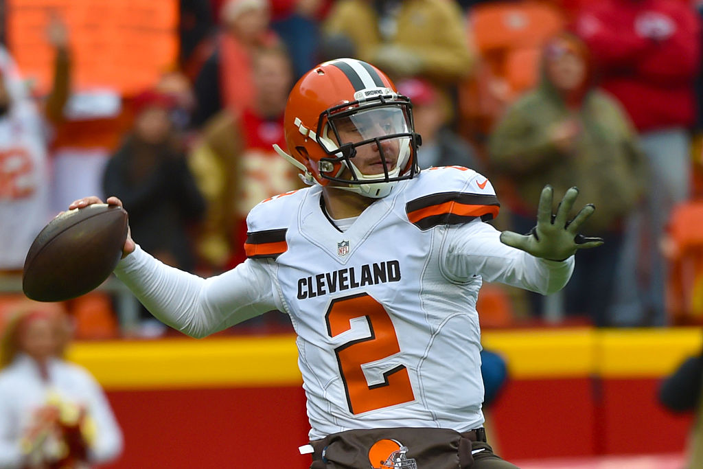 Johnny Manziel throws a pass at Arrowhead Stadium during the first quarter of the game on December 27, 2015 in Kansas City, Missouri. (Photo by Peter Aiken/Getty Images)