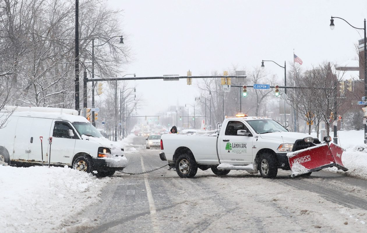 A familiar scene around Western New York Friday morning. (Sharon Cantillon/Buffalo News)